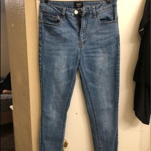 High wasted High rise jeans